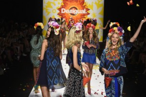 Desigual+Runway+Mercedes+Benz+Fashion+Week+q5EmoFM3n8Ul
