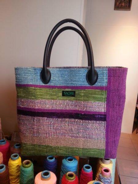 完成したバッグのイメージを持ちながら織る。これも目標かな。